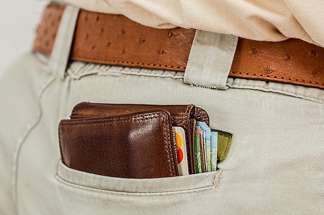 peněženka v kapse.jpg