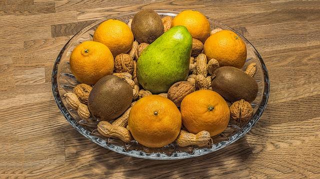 ovocná mísa s ořechy.jpg